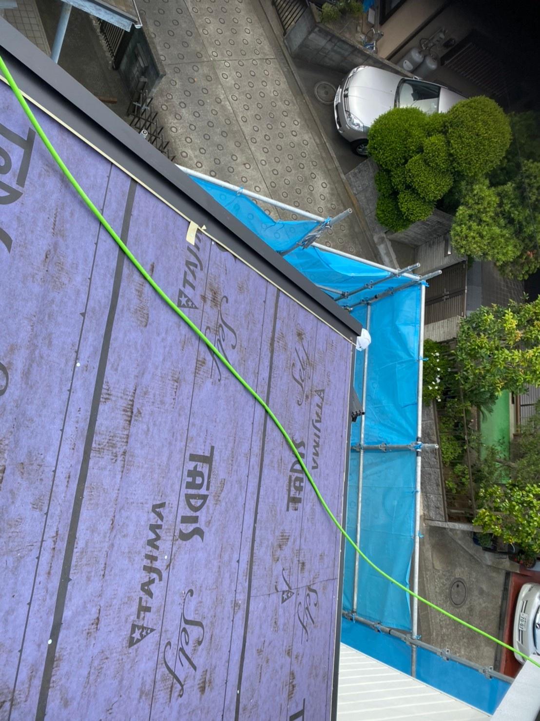 屋根重ね葺き(カバー)工事