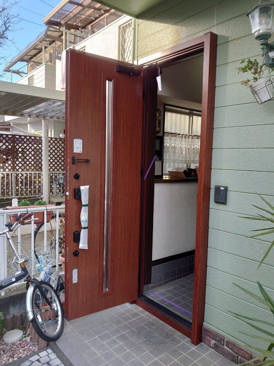 玄関ドアのリフォーム LIXIL リシェント 1日で終わる1dayリフォーム  (片開き)